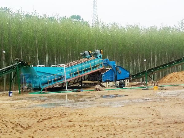 螺旋洗砂机现场处理视频,yi小时能洗多少吨砂?